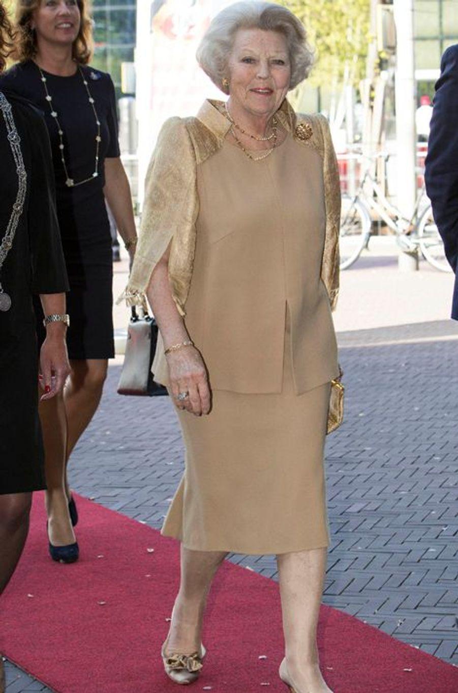 La princesse Beatrix des Pays-Bas au Theater Aan Het Spui à La Haye, le 21 mai 2015