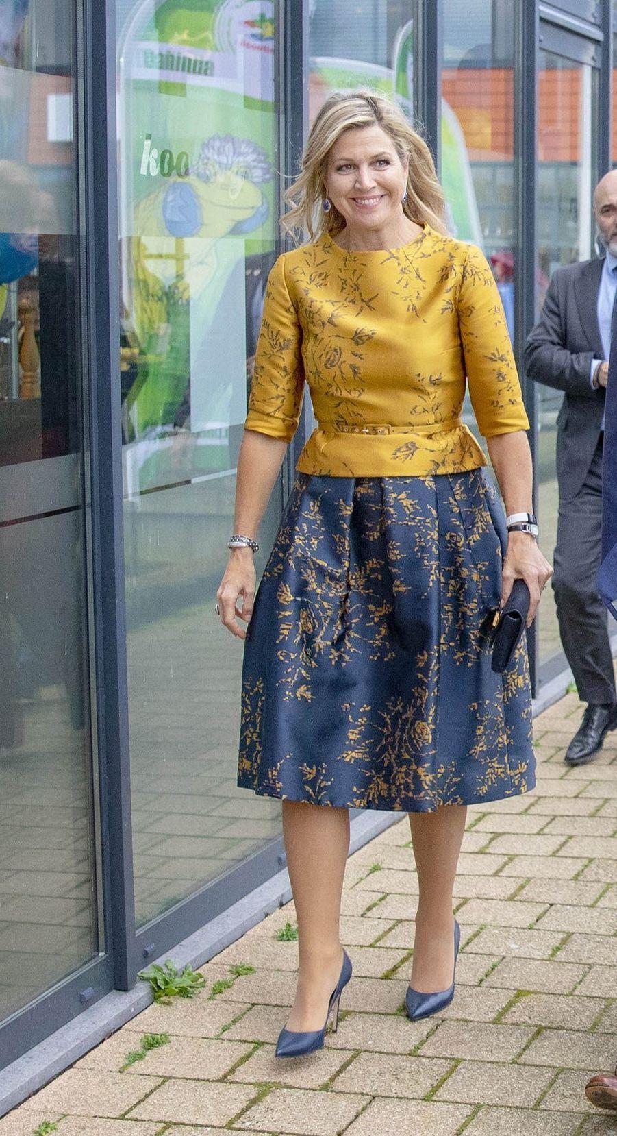 La reine Maxima des Pays-Bas, dans un ensemble Natan, à Noordwijkerhout le 15 janvier 2020