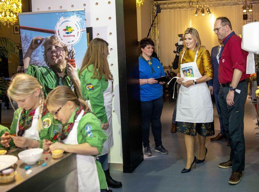 La reine Maxima des Pays-Bas rejoint de jeunes scouts à Noordwijkerhout, le 15 janvier 2020