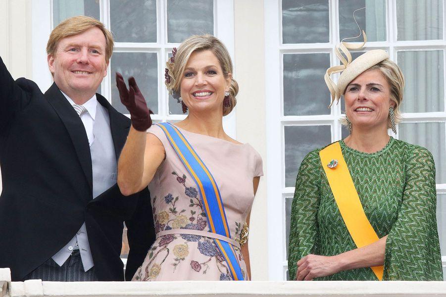 La reine Maxima et le roi Willem-Alexander des Pays-Bas, avec la princesse Laurentien, à La Haye le 15 septembre 2015