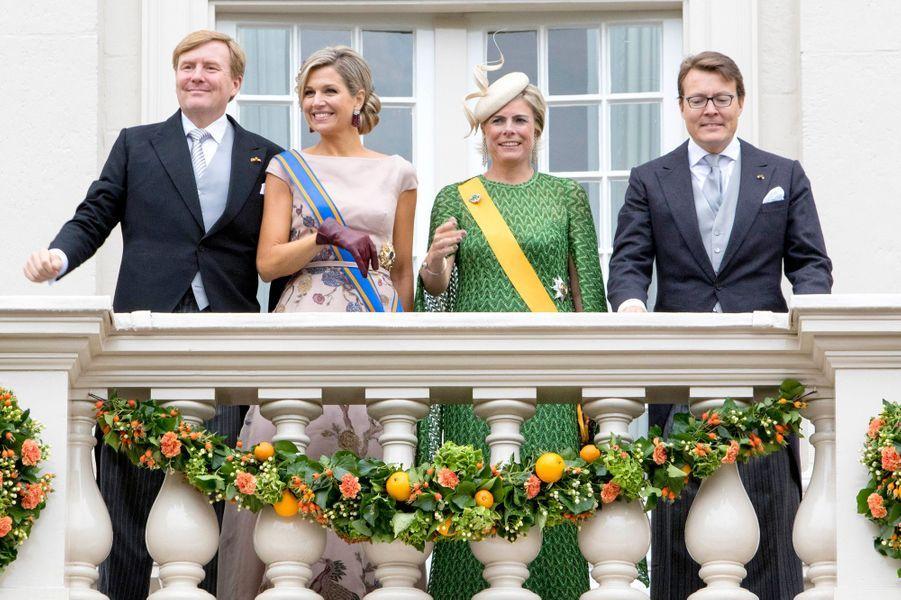 La reine Maxima et le roi Willem-Alexander des Pays-Bas, avec la princesse Laurentien et le prince Constantijn, à La Haye le 15 septembre 2015