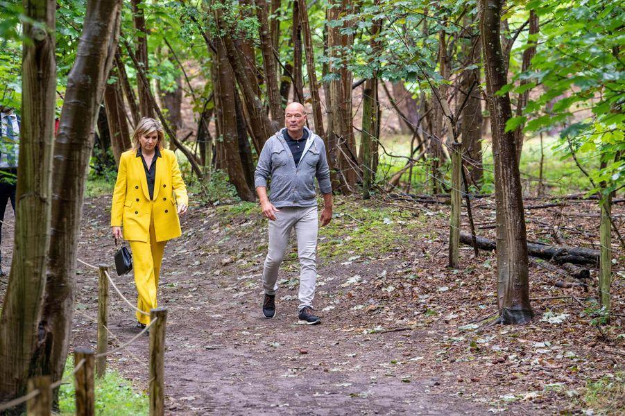 La reine Maxima des Pays-Bas dans une forêt d'escalade, le 8 juillet 2020 à Westenschouwen