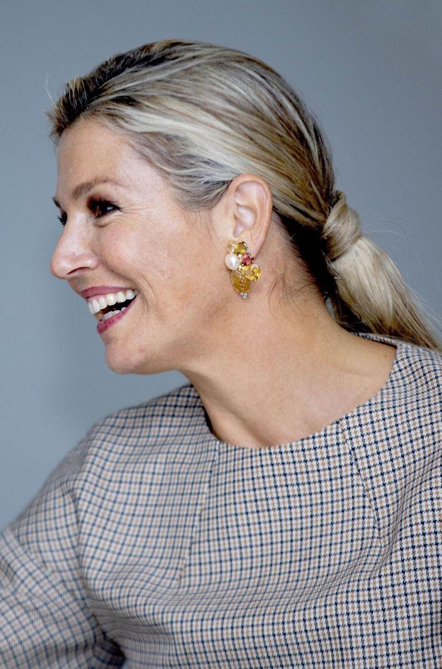 Les boucles d'oreille de la reine Maxima des Pays-Bas à Amersfoort, le 3 octobre 2019