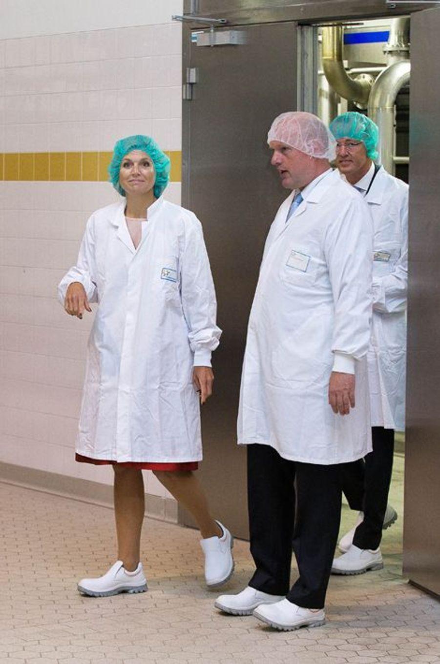 La reine Maxima des Pays-Bas dans une fromagerie à Workum, le 9 septembre 2015