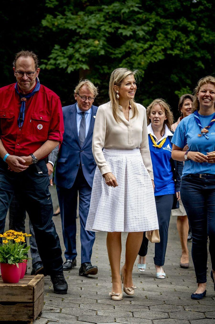 La reine Maxima des Pays-Bas rencontre les organisateurs du Roverway 2018 à Voorburg, le 10 juillet 2018