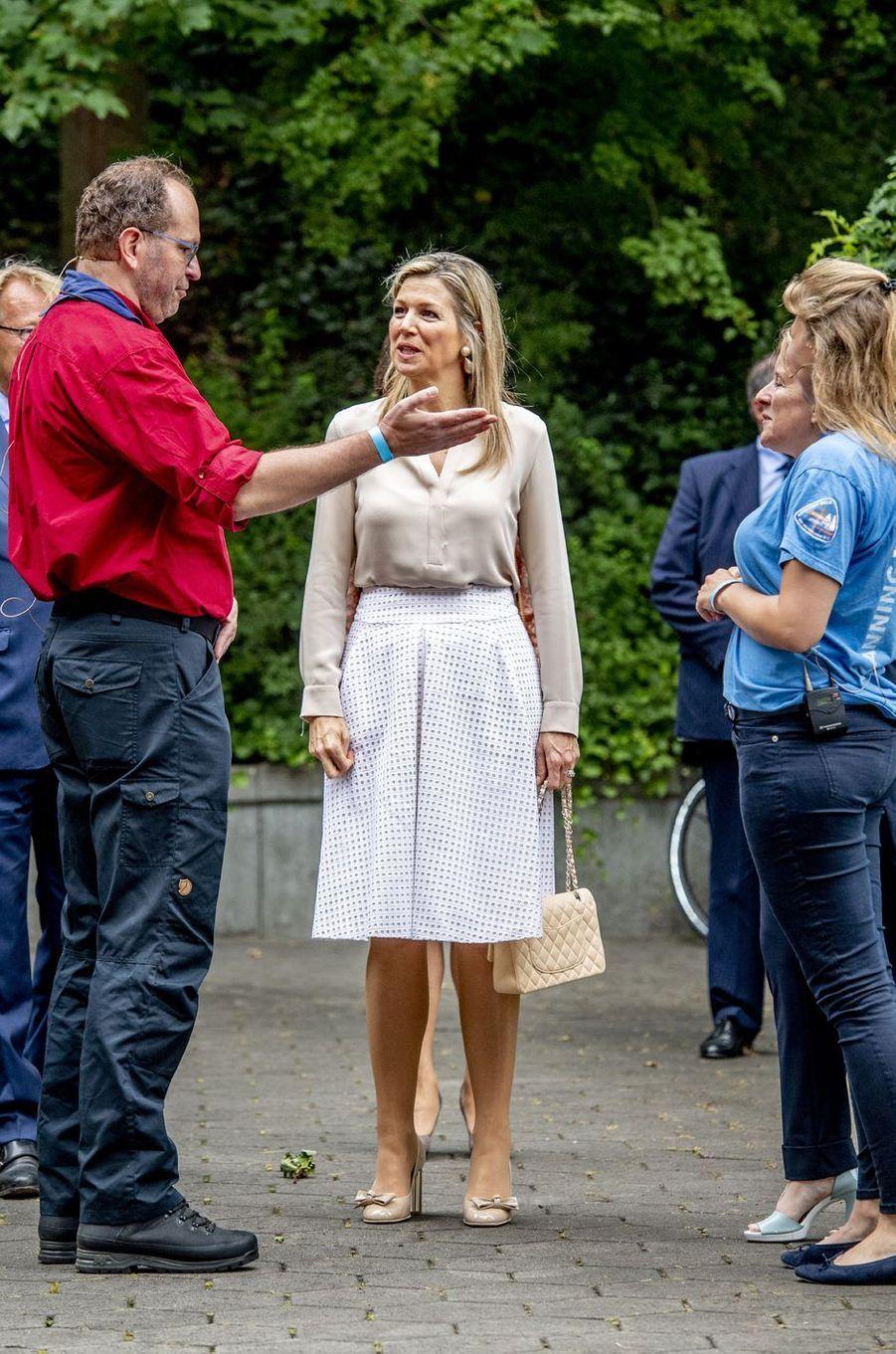 La reine Maxima des Pays-Bas avec les organisateurs du Roverway 2018 à Voorburg, le 10 juillet 2018