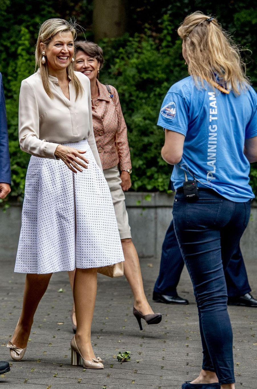La reine Maxima des Pays-Bas rencontre des scouts à Voorburg, le 10 juillet 2018