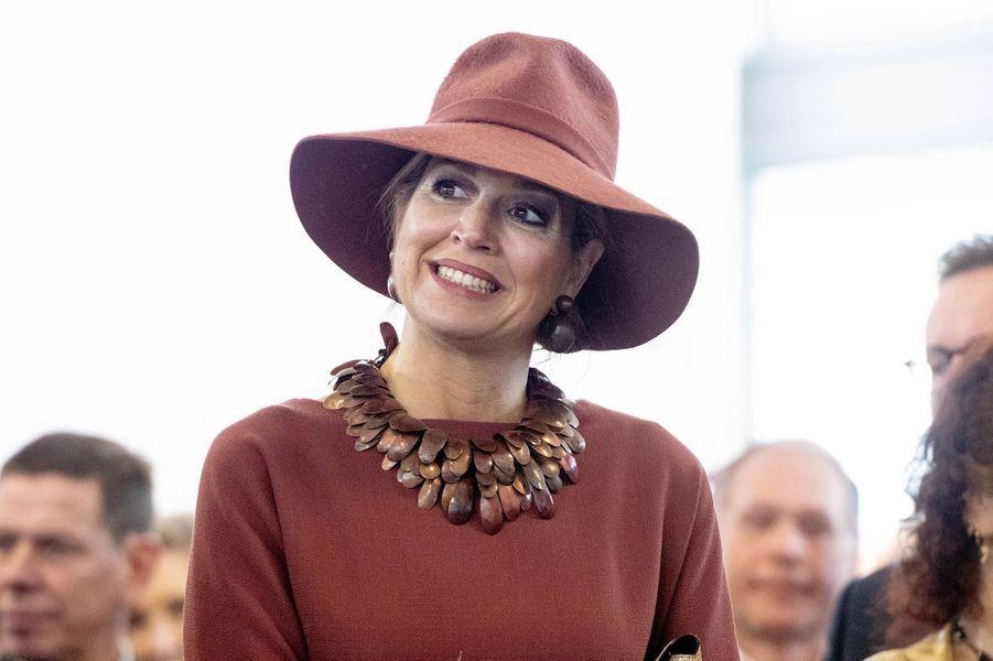 La reine Maxima des Pays-Bas, dans un look rouille, à Heerlen le 31 janvier 2019