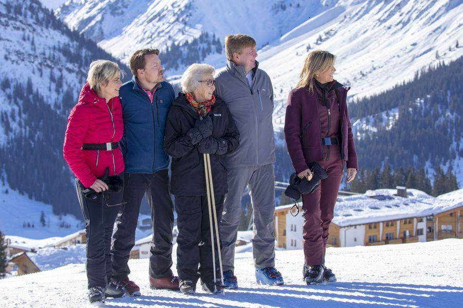 La reine Maxima et le roi Willem-Alexander des Pays-Bas avec l'ex-reine Beatrix, la princesse Laurentien et le prince Constantijn à Lech, le 25 février 2019