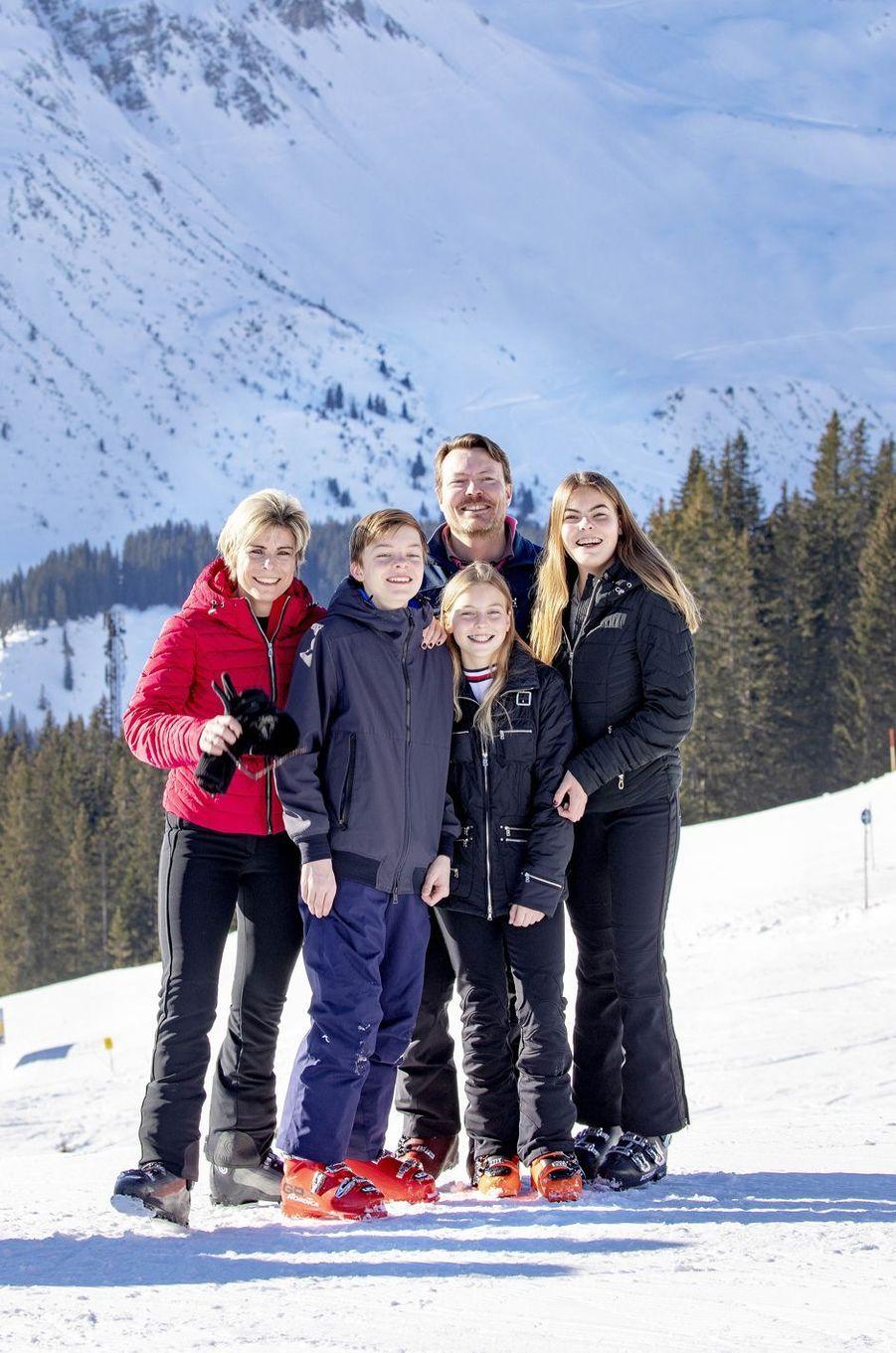 La princesse Laurentien et le prince Constantijn des Pays-Bas avec leurs enfants à Lech, le 25 février 2019