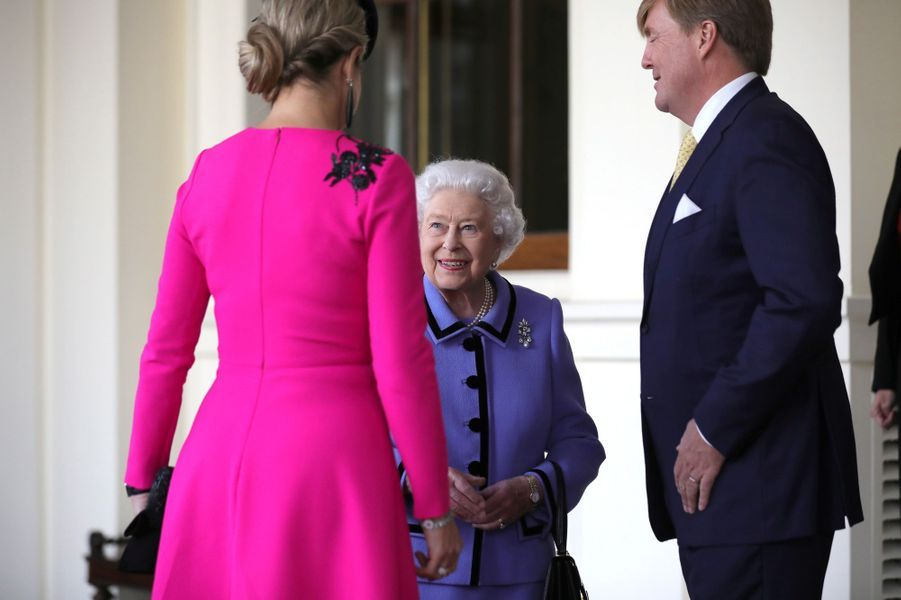 La reine Maxima et le roi Willem-Alexander des Pays-Bas avec la reine Elizabeth II à Londres, le 24 octobre 2018