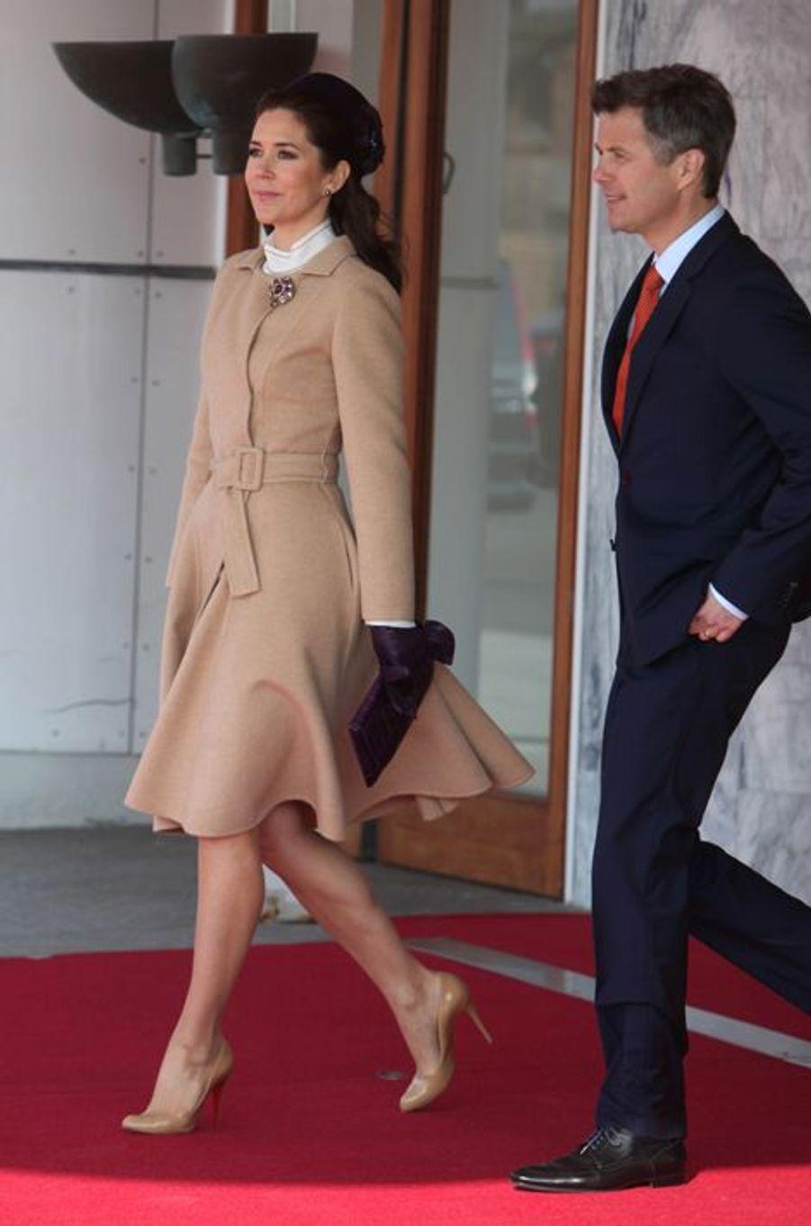 La princesse Mary et le prince Frederik de Danemark à l'aéroport de Copenhague, le 17 mars 2015