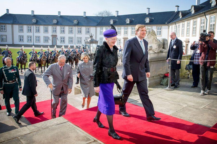 Le roi Willem-Alexander, la reine Margrethe II, la reine Maxima et le prince Henrik arrivent au château de Fredensborg, le 17 mars 2015