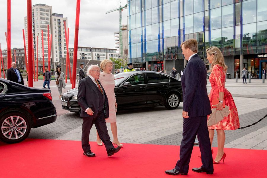 La reine Maxima et le roi Willem-Alexander des Pays-Bas avec le couple présidentiel irlandais à Dublin, le 13 juin 2019