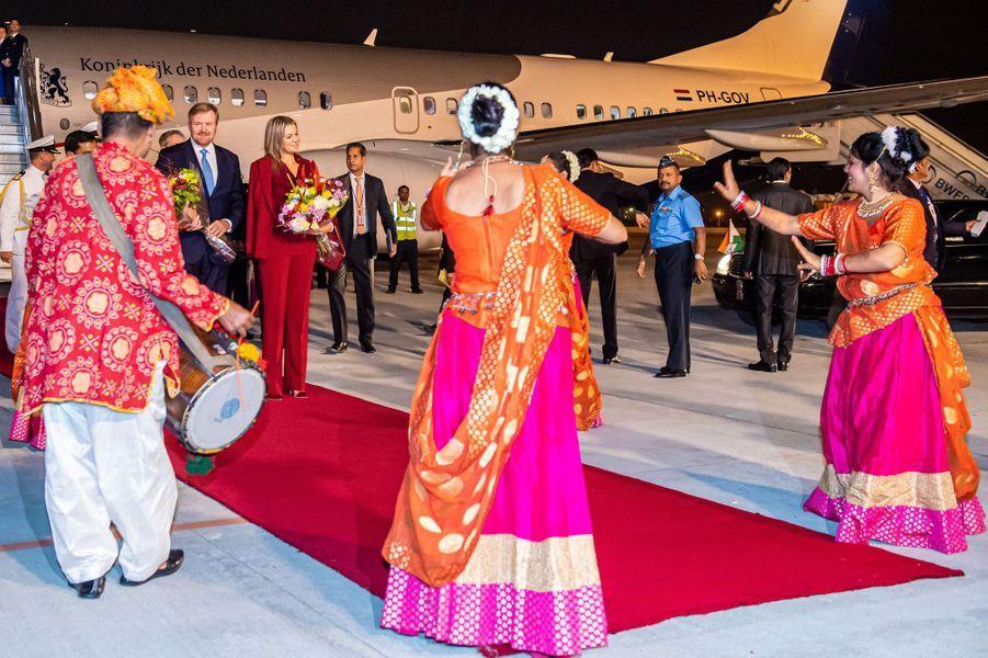La reine Maxima et le roi Willem-Alexander des Pays-Bas à l'aéroport de New Delhi, le 13 octobre 2019