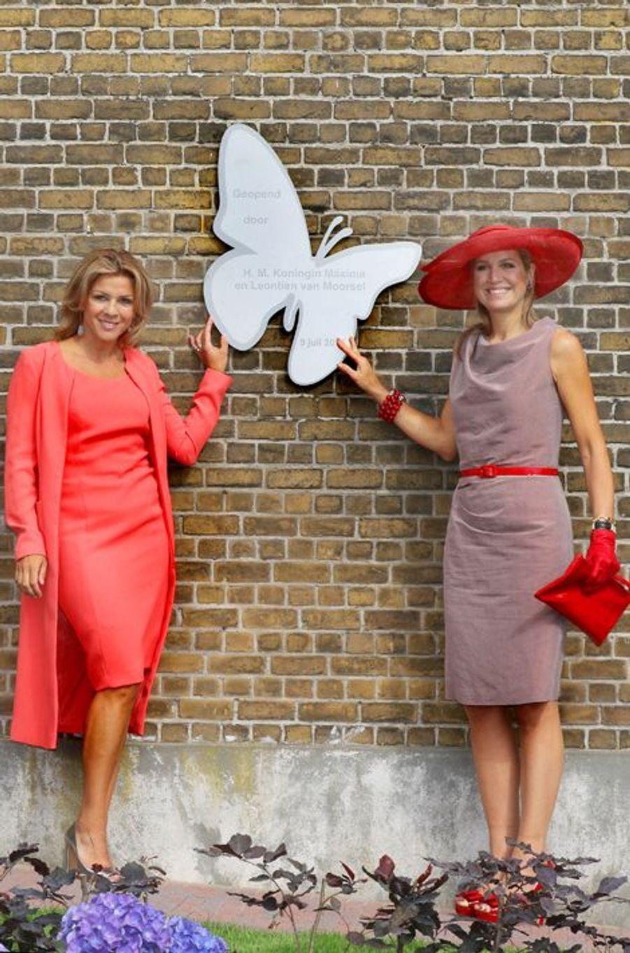 La reine Maxima des Pays-Bas avec Leontien Zijlaard-van Moorsel à Zevenhuizen, le 9 juillet 2015
