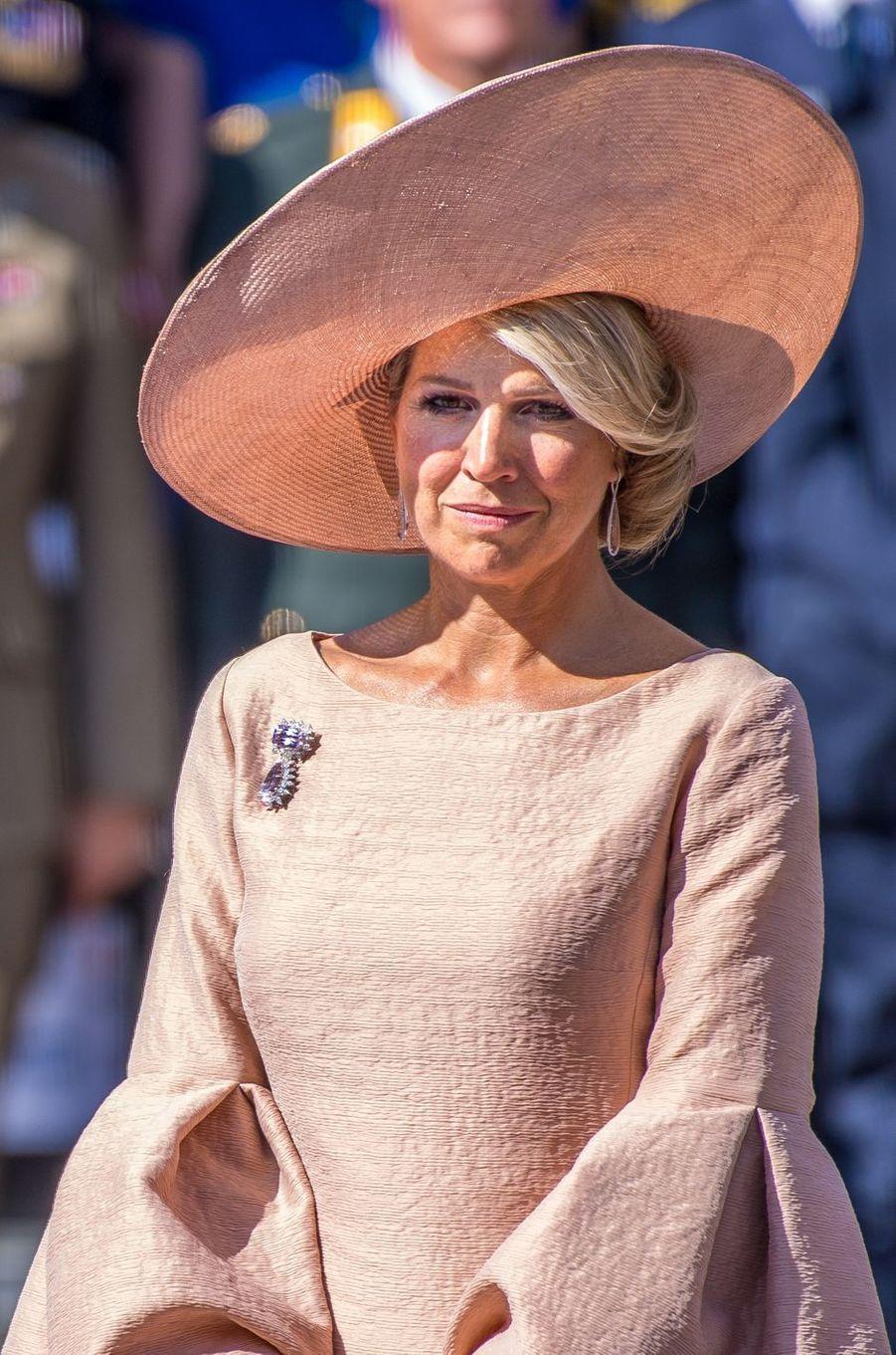 La reine Maxima des Pays-Bas en rose poudré à la Haye, le 31 août 2018