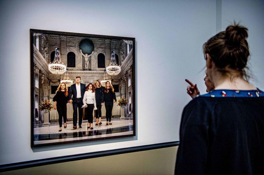 Portrait de la famille royale des Pays-Bas par Erwin Olaf, exposés à La Haye le 15 février 2019
