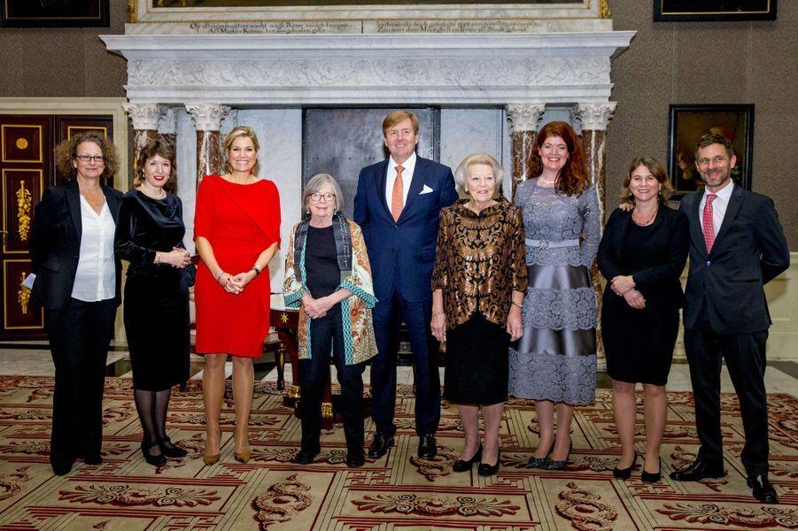 La reine Maxima, le roi Willem-Alexander et la princesse Beatrix des Pays-Bas à Amsterdam, le 27 novembre 2018
