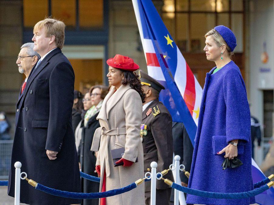 La reine Maxima, en Natan, et le roi Willem-Alexander des Pays-Bas avec le couple présidentiel du Cap Vert à Amsterdam, le 10 décembre 2018