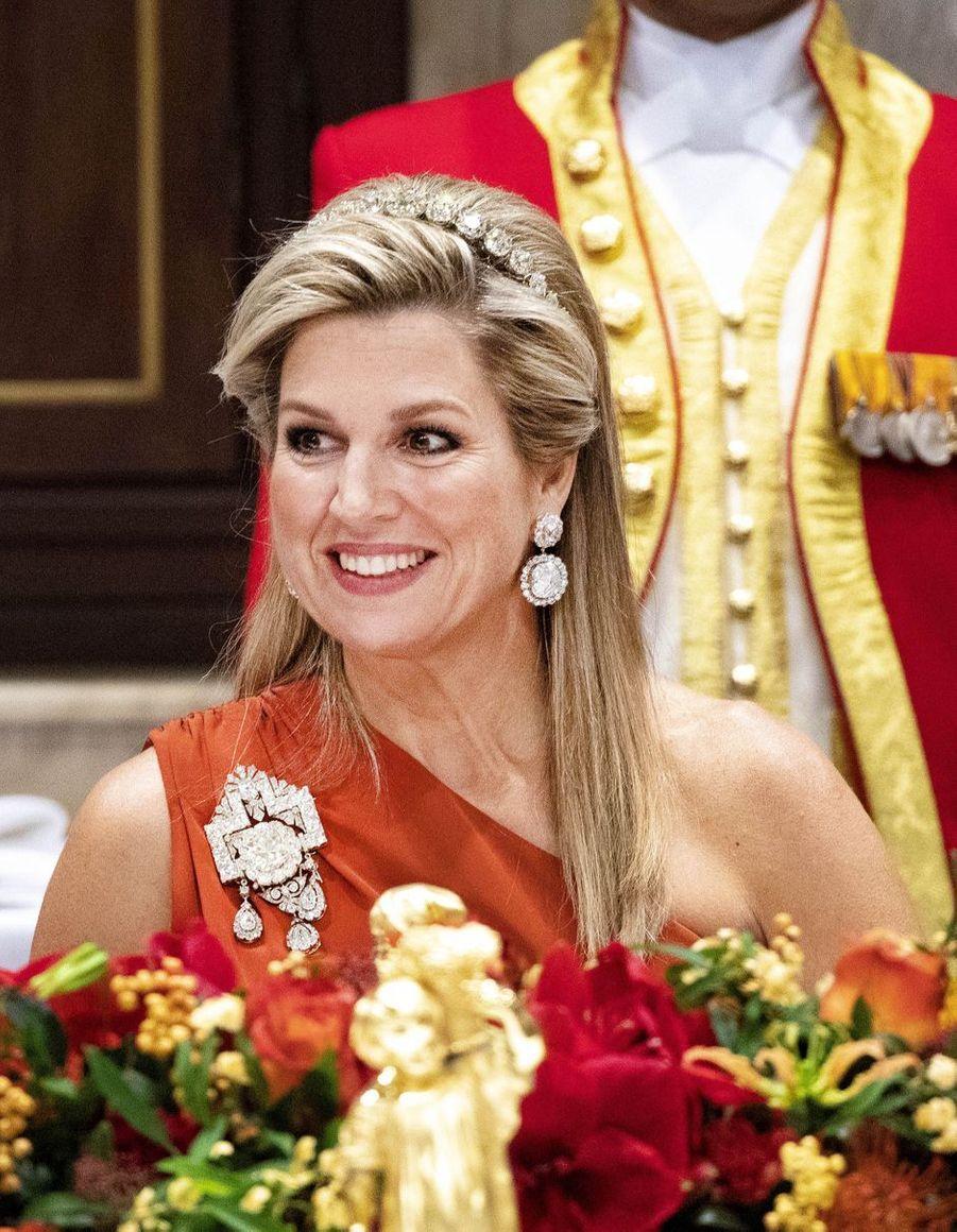 La reine Maxima des Pays-Bas parée des diamants de la reine Emma à Amsterdam, le 10 décembre 2018