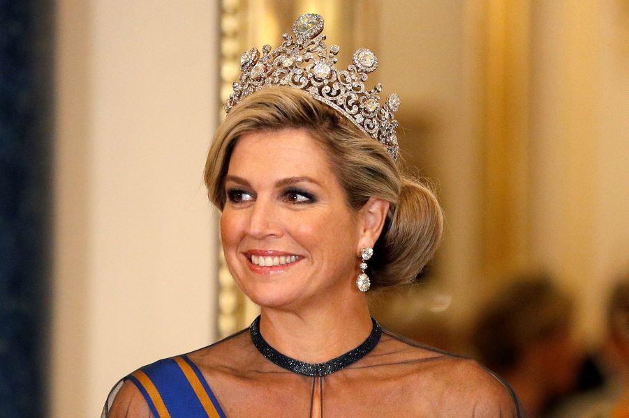 La reine Maxima des Pays-Bas à Londres le 23 octobre 2018. Au sommet de son diadème, le diamant Stuart des Orange-Nassau