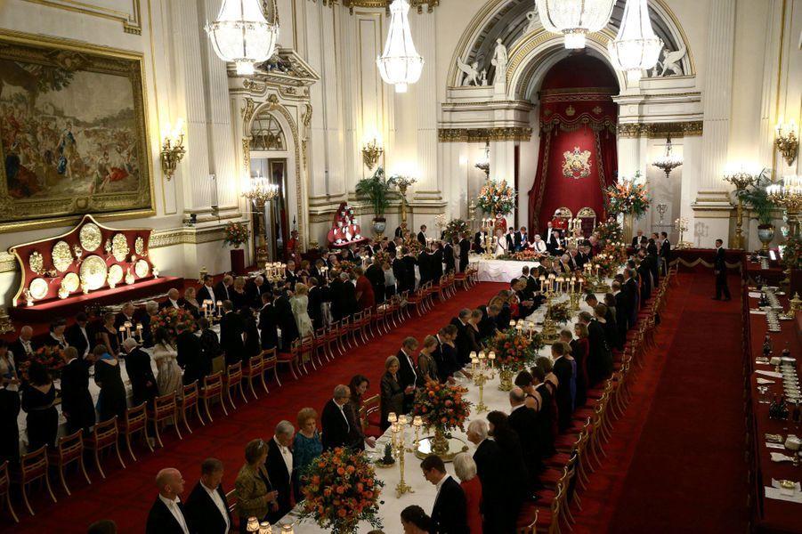 Le banquet offert par la reine Elizabeth II au roi et à la reine des Pays-Bas à Londres, le 23 octobre 2018