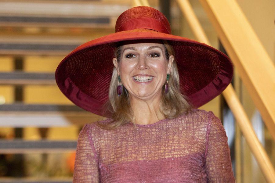 La reine Maxima des Pays-Bas coiffée d'une grande capeline à Utrecht, le 19juin 2019