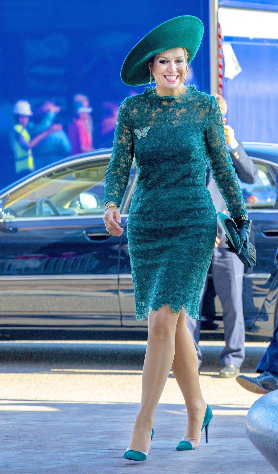 La reine Maxima des Pays-Bas en total look vert sapin à Utrecht, le 5 octobre 2018