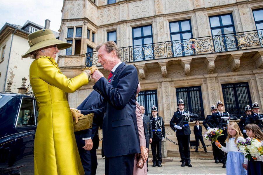 La reine Maxima des Pays-Bas accueillie par le grand-duc Henri à Luxembourg, le 23 mai 2018