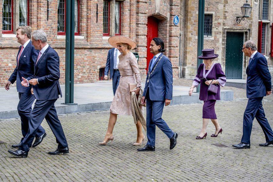La reine Maxima, le roi Willem-Alexander et la princesse Beatrix des Pays-Bas à Middelburg, le 16 mai 2018