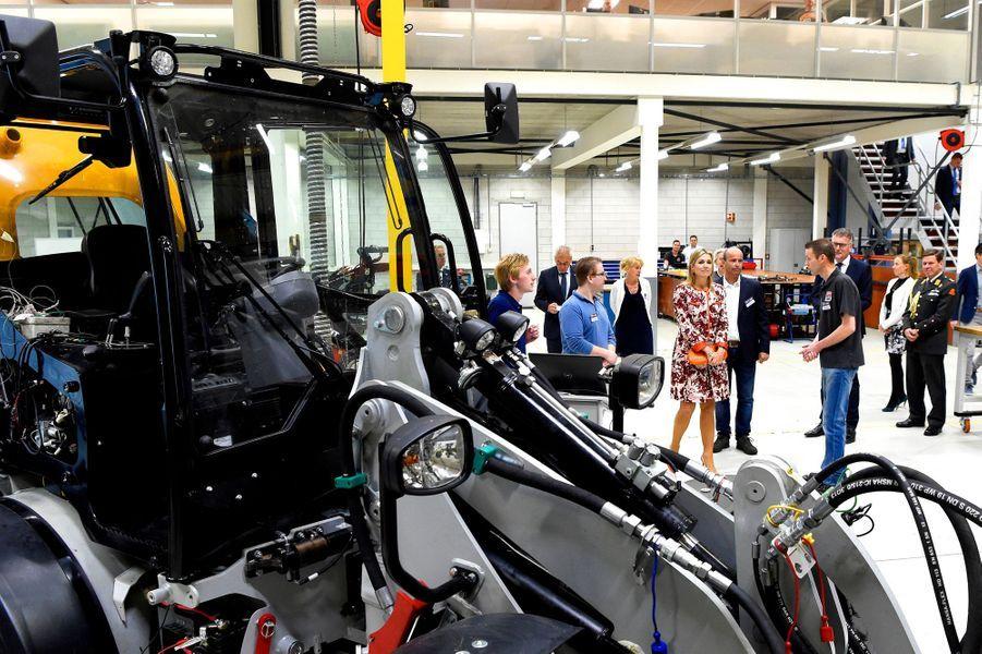 La reine Maxima des Pays-Bas en visite à l'usine Tobroco à Oisterwijk, le 8 juin 2017
