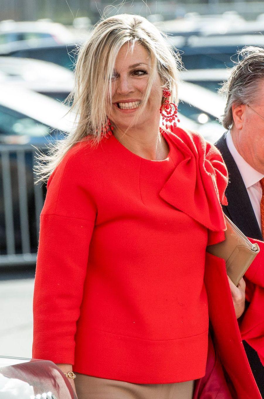 Les boucles d'oreille de la reine Maxima des Pays-Bas à Bréda, le 25 mars 2019