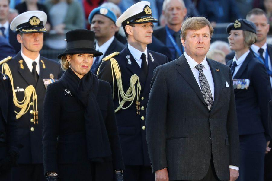 La reine Maxima et le roi Willem-Alexander des Pays-Bas sur la place du Dam à Amsterdam, le 4 mai 2018