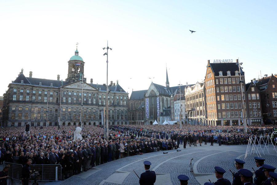La reine Maxima et le roi Willem-Alexander des Pays-Bas lors de la cérémonie du Jour du Souvenir à Amsterdam, le 4 mai 2018