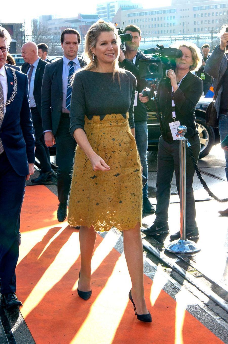 La reine Maxima des Pays-Bas dans une robe Natan à Amersfoort, le 5 mars 2019