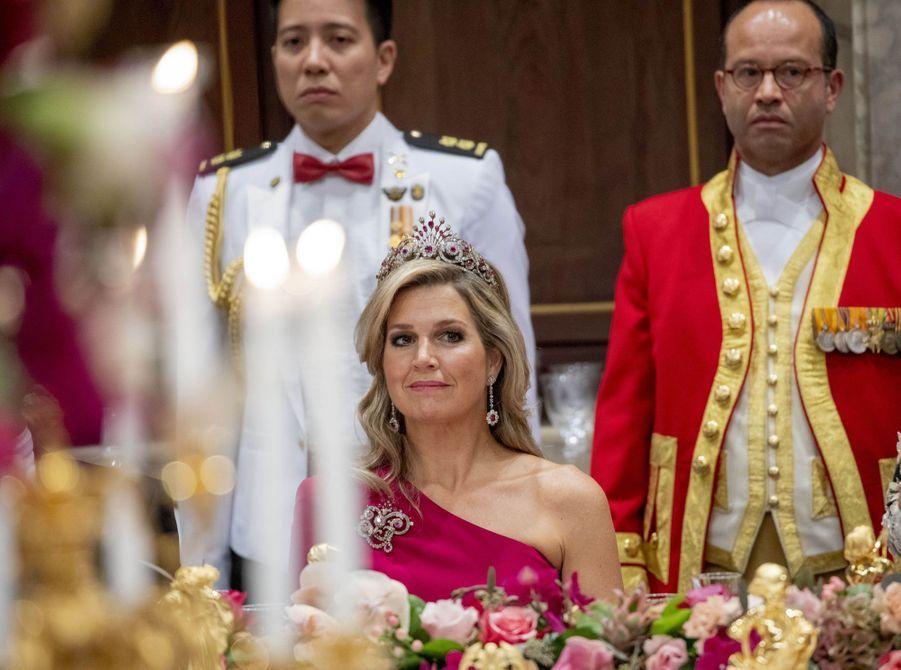 La reine Maxima des Pays-Bas parée du diadème queue de paon en rubis et diamant, à Amsterdam le 20 novembre 2018