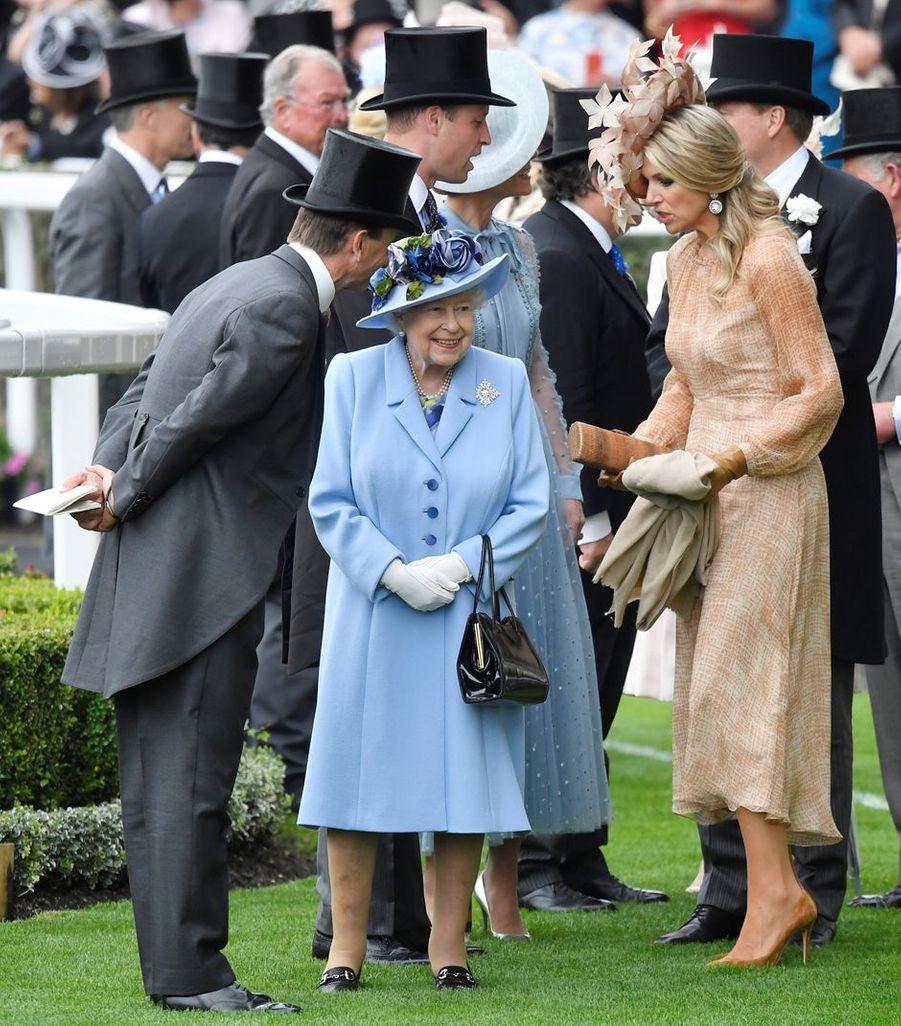 La reine Maxima des Pays-Bas avec la reine Elizabeth II au Royal Ascot, le 18 juin 2019