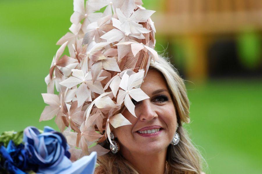 La reine Maxima des Pays-Bas coiffée d'un chapeau signé Berry Rutjes au Royal Ascot, le 18 juin 2019