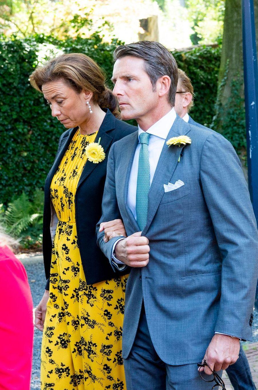L'un des neveux de la princesse Christina des Pays-Bas et sa femme lors de ses funérailles à La Haye, le 22 juin 2019