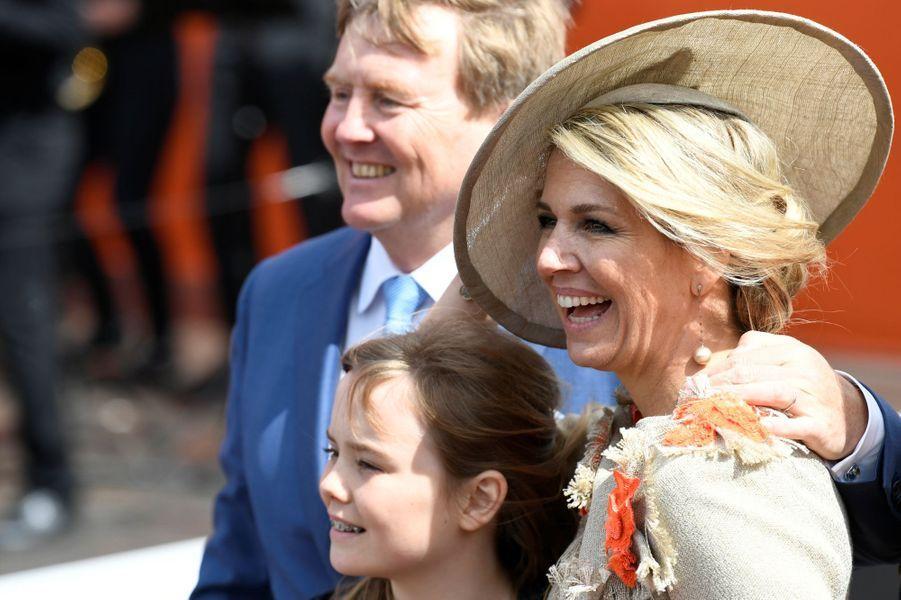 La reine Maxima et le roi Willem-Alexander des Pays-Bas avec la princesse Ariane à Amersfoort, le 27 avril 2019