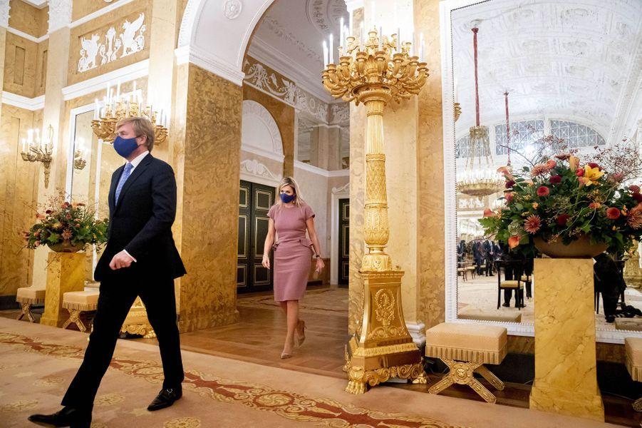 Le roi Willem-Alexander et la reine Maxima des Pays-Bas à La Haye, le 13 octobre 2020