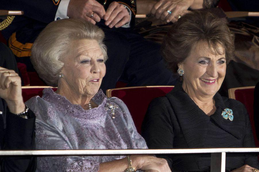 Les princesses Beatrix et Margriet des Pays-Bas à Amsterdam, le 29 novembre 2016