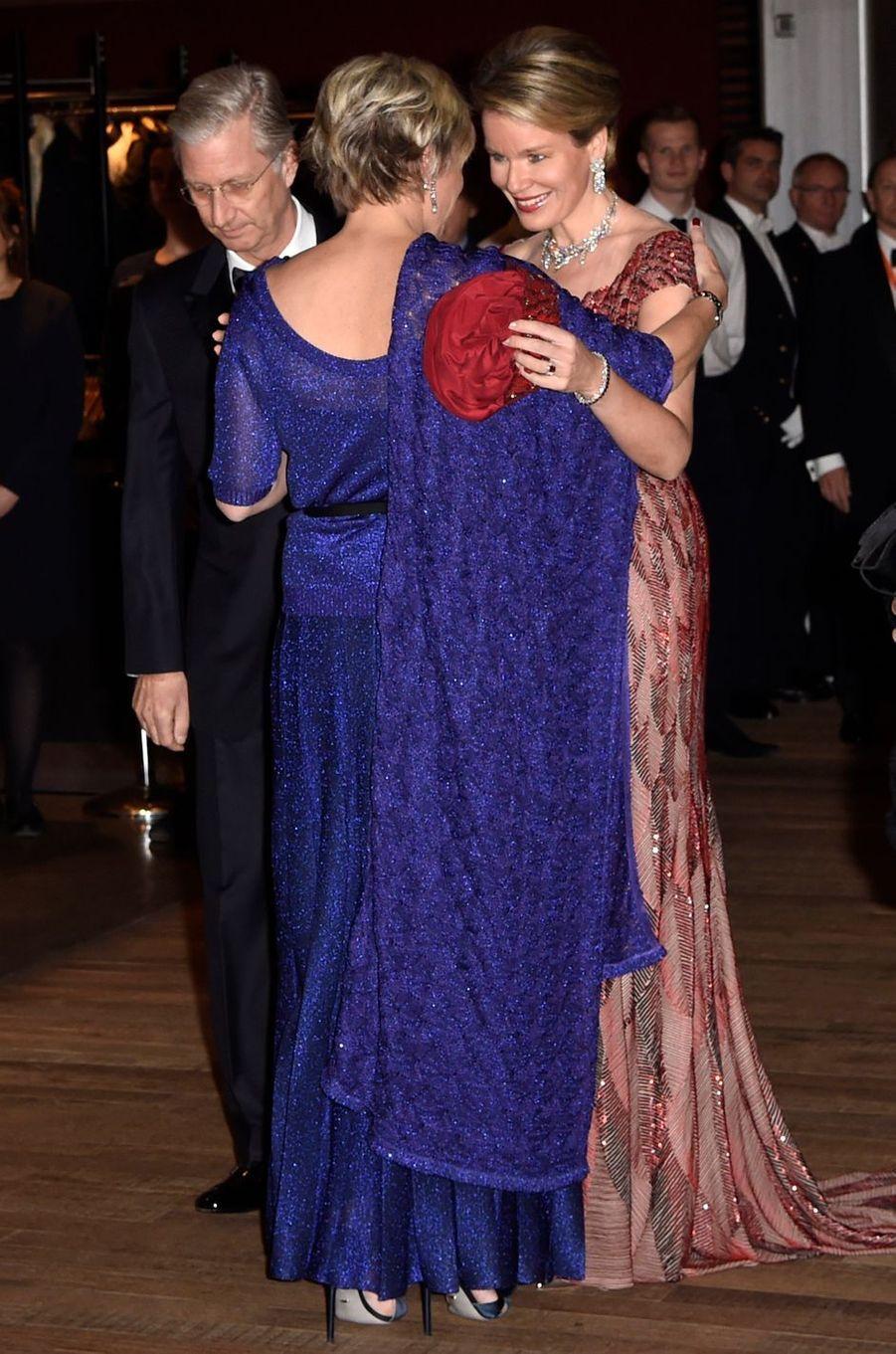 La princesse Laurentien des Pays-Bas avec la reine Mathilde et le roi Philippe de Belgique à Amsterdam, le 29 novembre 2016