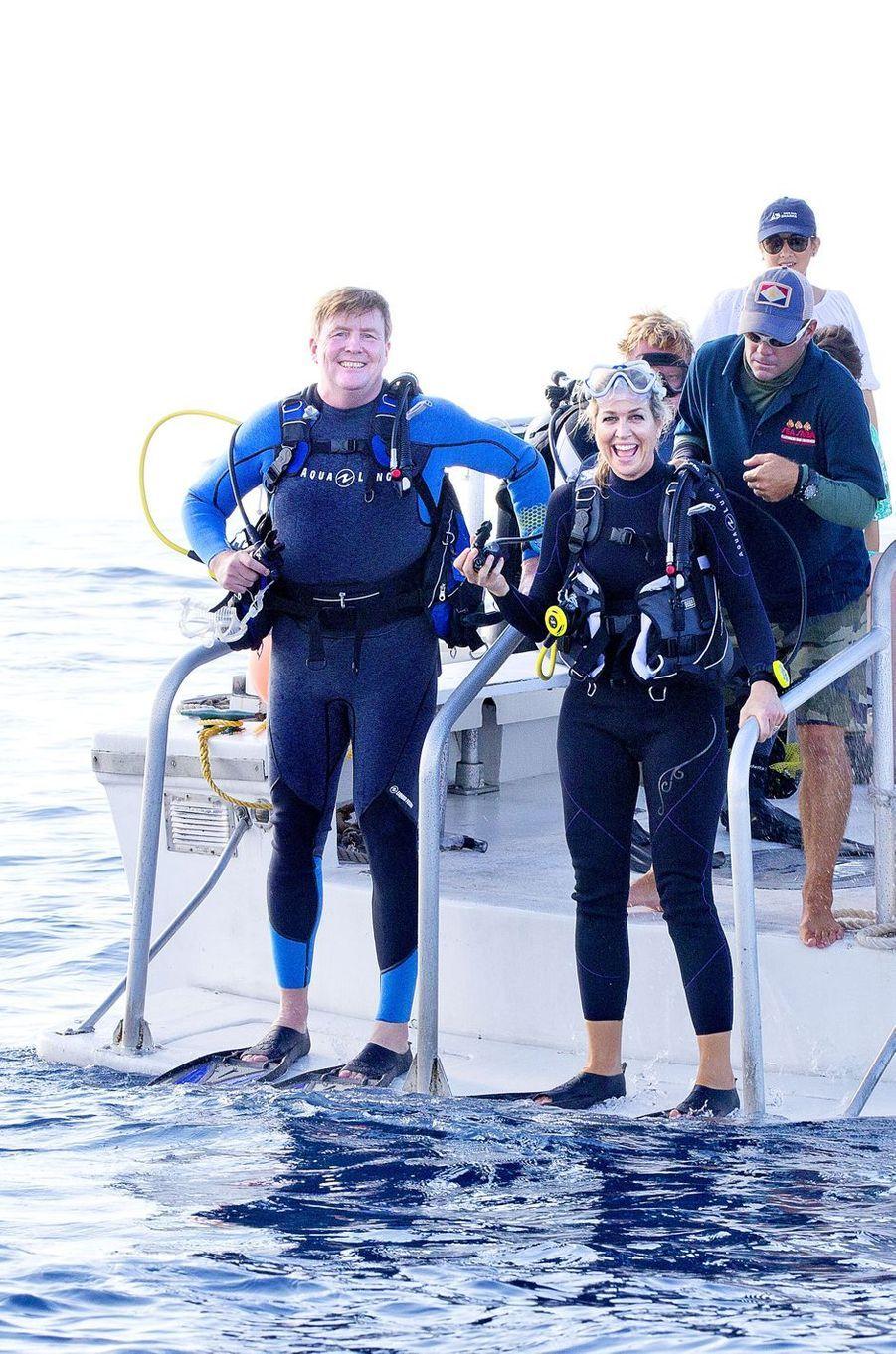 La reine Maxima et le roi Willem-Alexander des Pays-Bas prêts à plonger à Saba, le 1er décembre 2017