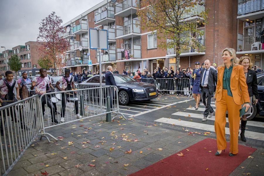 La reine Maxima des Pays-Bas accueillie en musique à La Haye, le 17 novembre 2016
