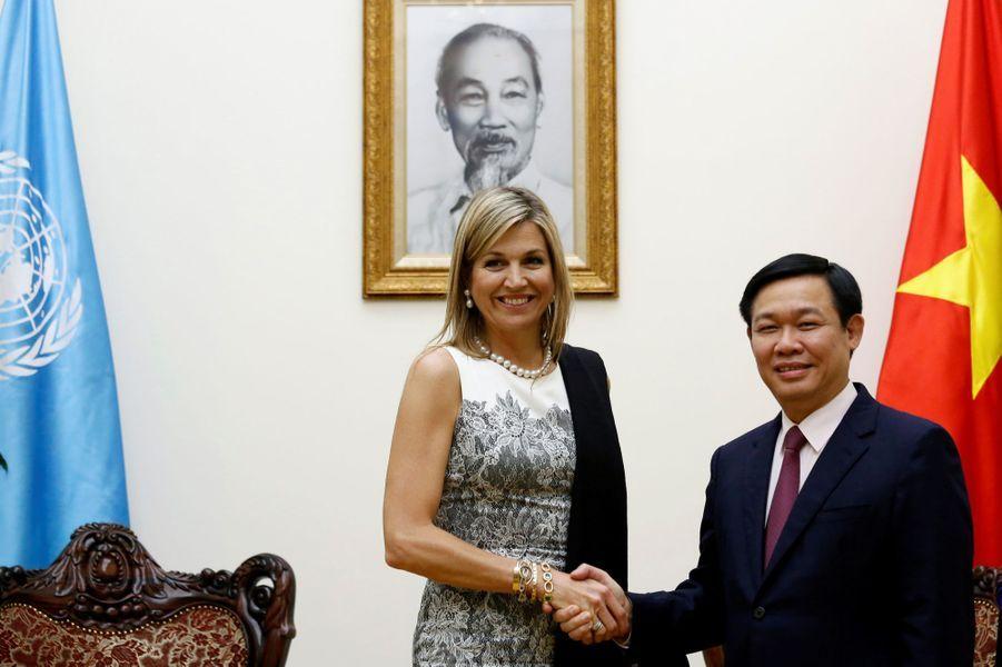 La reine Maxima des Pays-Bas avec le Premier ministre du Vietnam à Hanoï, le 1er juin 2017