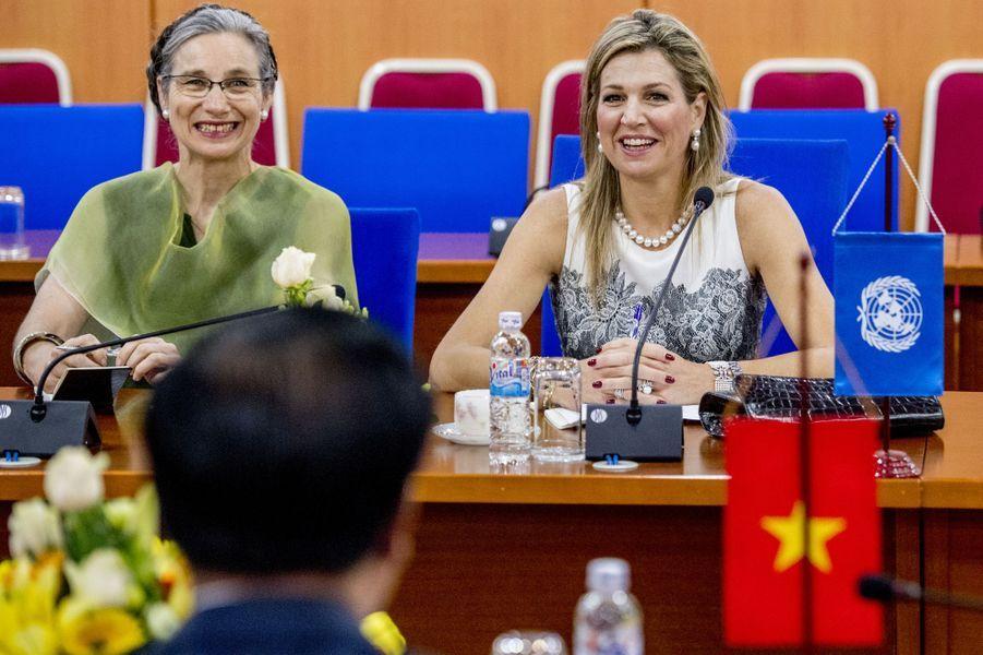 La reine Maxima des Pays-Bas à une réunion avec le ministre desFinances vietnamien à Hanoï, le 1er juin 2017