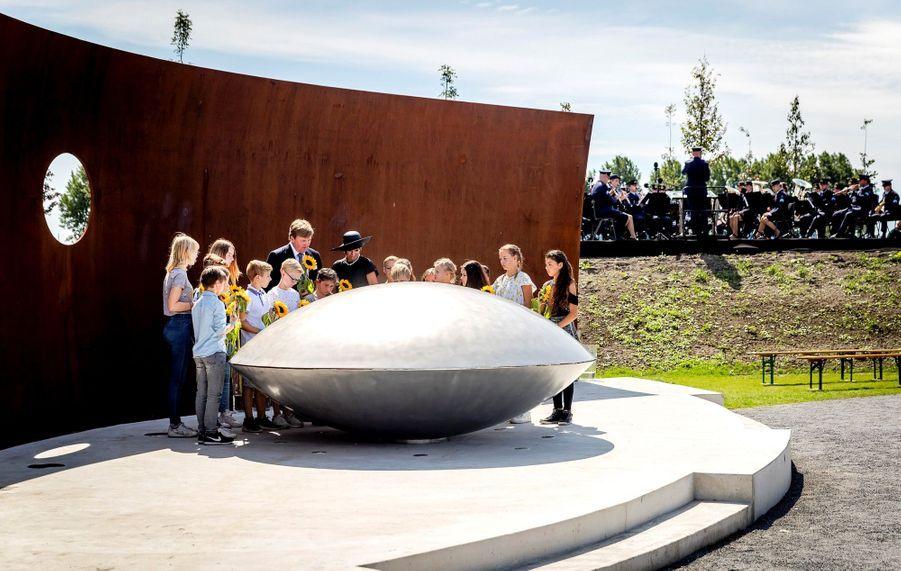 Maxima Et Willem Alexander À L'inauguration D'un Mémorial Pour Les Victimes Du Crash Du Vol MH17 De La Malaysia Airlines 15