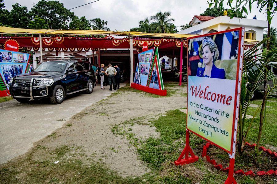 Panneau en l'honneur de la reine Maxima des Pays-Bas à Dhaka au Bangladesh, le 10 juillet 2019